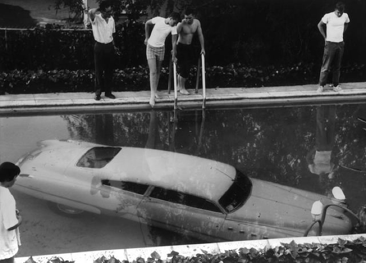 Beverly Hills. Она утонула 1961