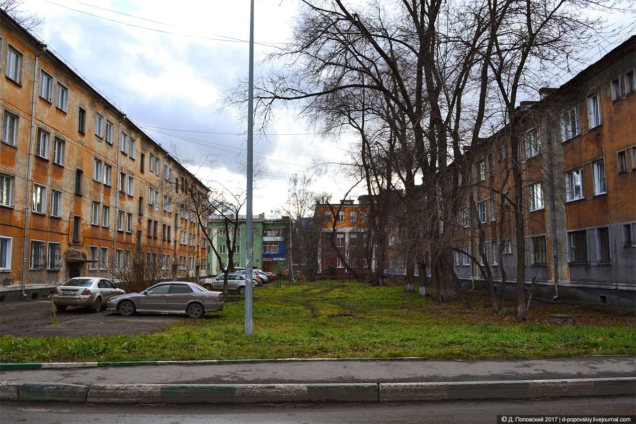 Ул. Энтузиастов, 35 и 37 (слева)