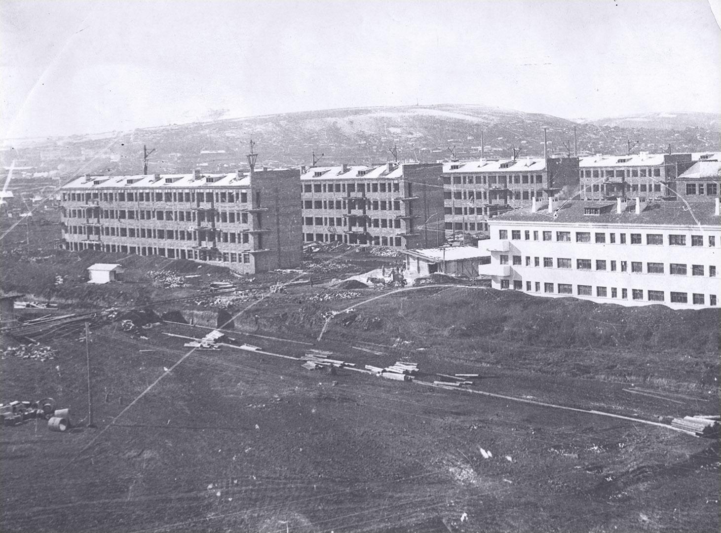 Соцгород строится. 1932 г.