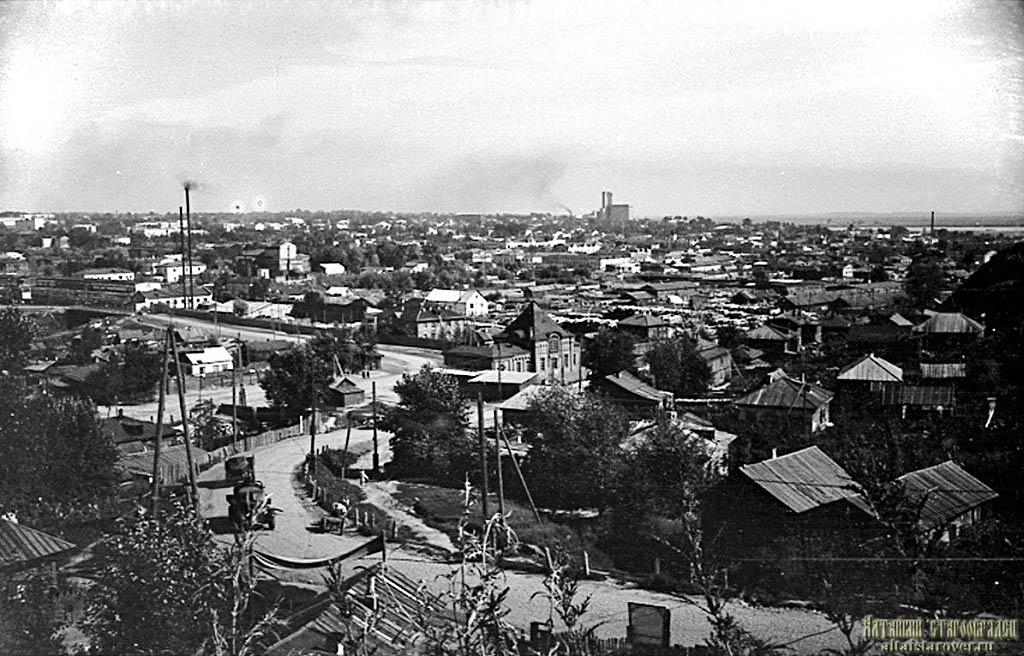 Фото В. Б. Пушкарева. Источник: https://altaistarover.ru/articles/history/141-ikonostas-krestovozdvizhenskogo-hrama-barnaul