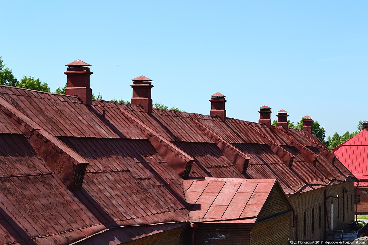Крыша солдатской казармы