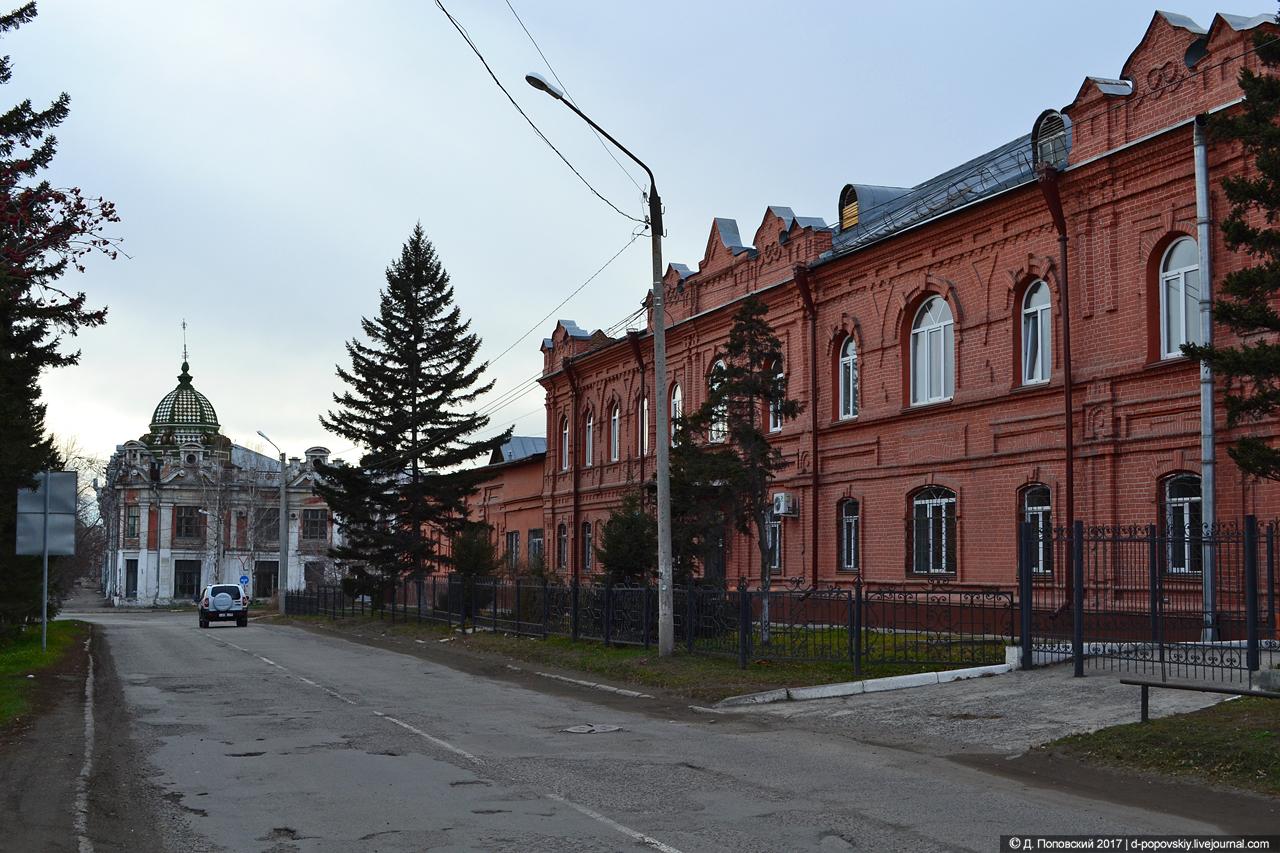 Вид пассажа в перспективе ул. Льва Толстого