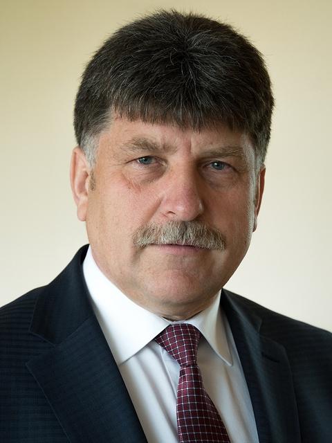 начальник управления, экс-прокурор Николай Старовойтов