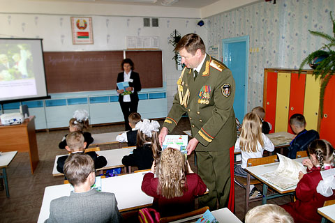первый заместитель председателя КГБ Беларуси генерал-майор Василий Дементей