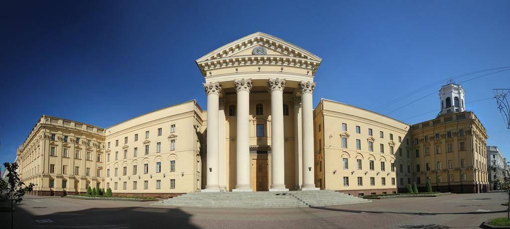 панорама здания Комитета государственной безопасности Республики Беларусь (автор White1)