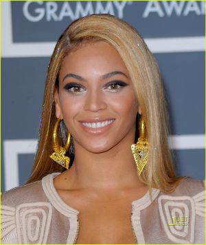 beyonce-knowles-grammy-awards-2010-red-carpet-01