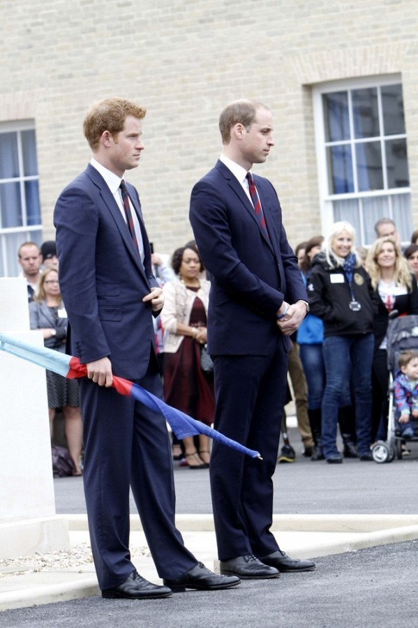 Prince+Harry+British+Royals+Visit+Heroes+Recovery+RYZkt2IDeAJx