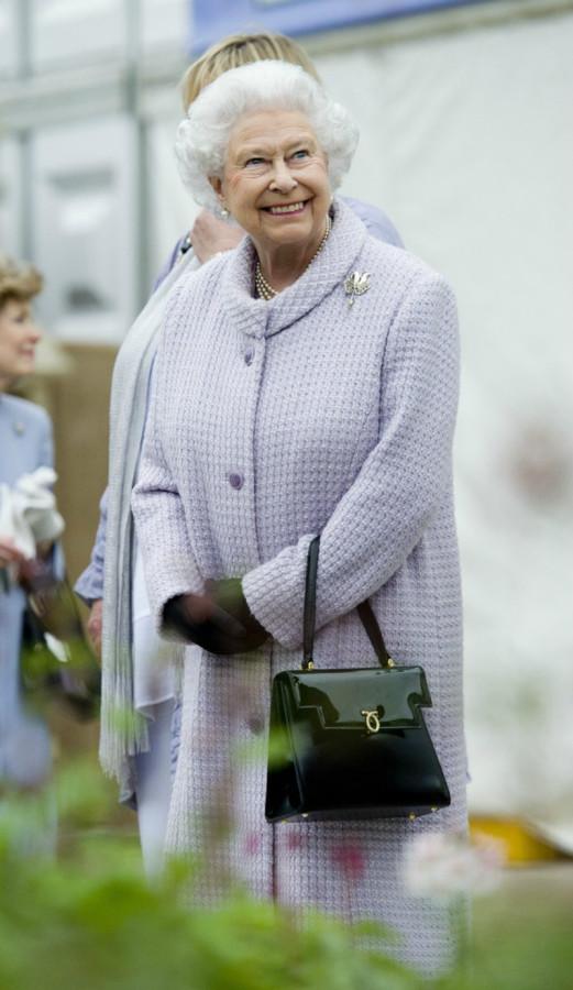 Queen+Elizabeth+II+VIP+Preview+Day+Chelsea+Z8GW_jPfghnx