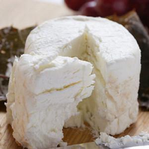 fresh-goat-cheese-xl-17938460