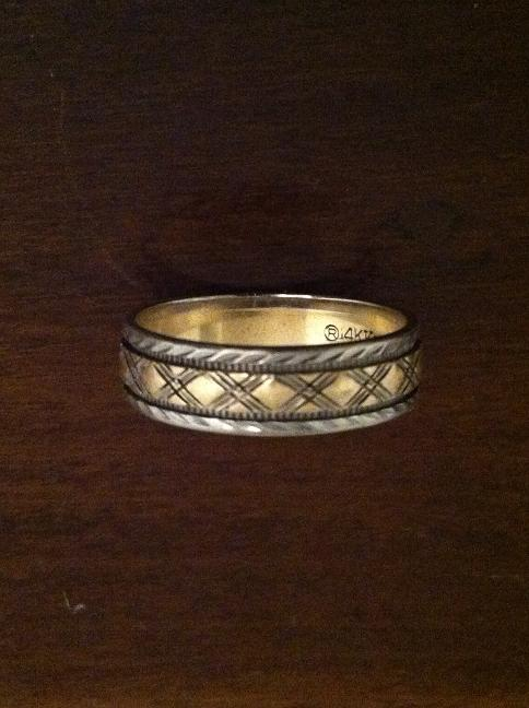 Ring design--outer edges of white gold, middle band of yellow gold