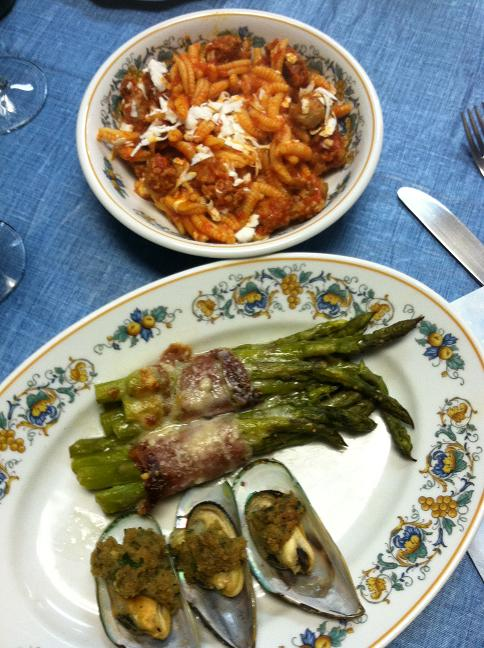 Sausage and pasta, mussels gratin, and prosciutto-wrapped asparagus