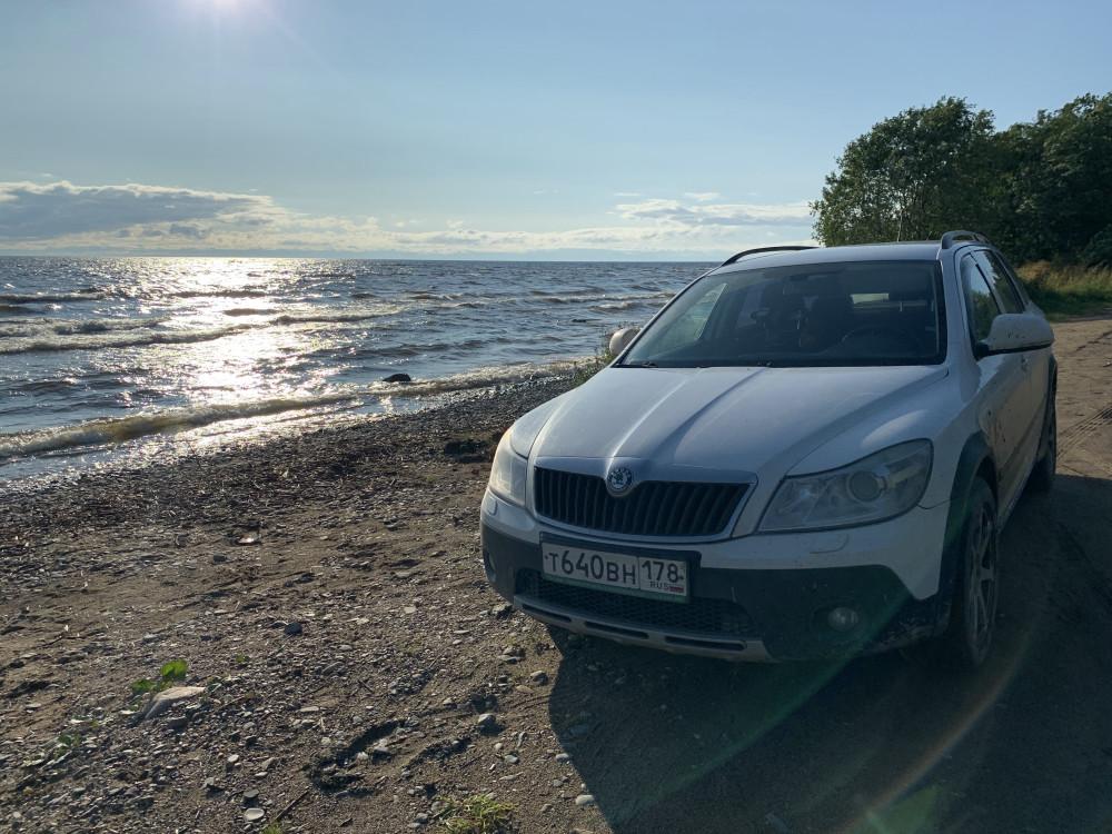 Машинка на море