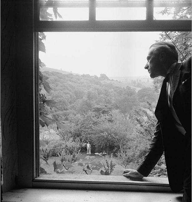 Cecil Beaton - Farewell to Ashcombe, 1946