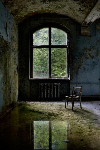 Invaded - Beelitz Heilstätten by Tom Kirsch ©www.opacity.us
