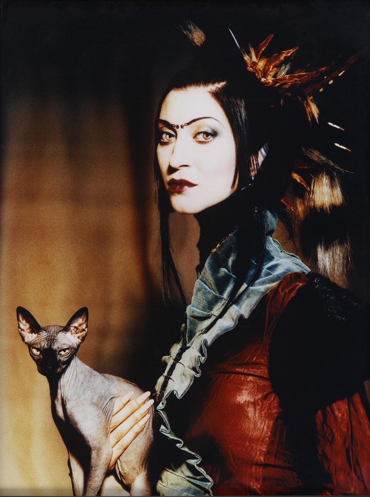 Floria Sigismondi - self portrait with cat