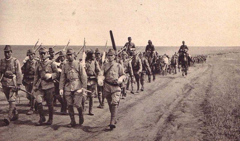 выполненный стиле красная армия в гоби фото мужчина возле своей