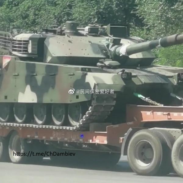 Очередная партия китайских танков VT4 и бронетранспортеров VN1 для Таиланда