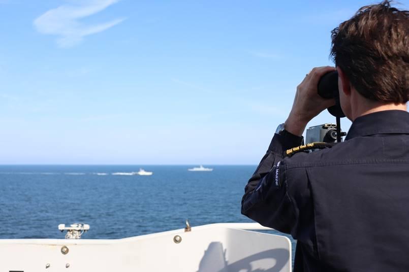 Сопровождение корвета Стойкий проекта 20380 ВМФ России кораблями НАТО