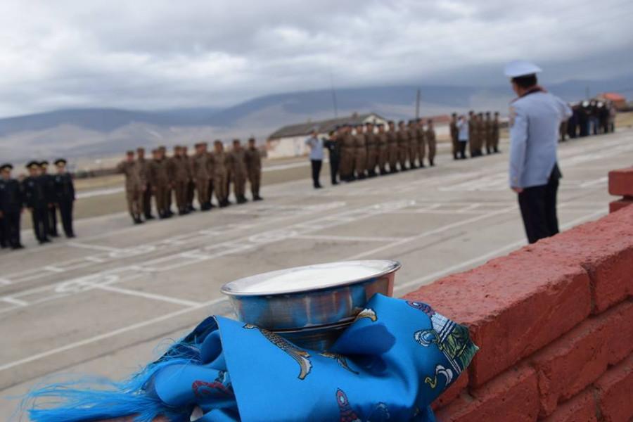 Как уходят на дембель в Монголии