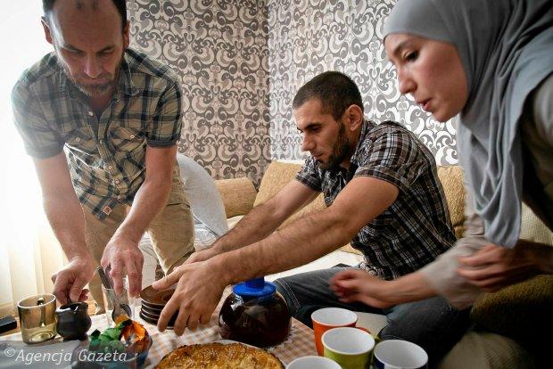 z18514252Q,Rodzina-Tatarow-z-Krymu-starajaca-sie-o-status-uch