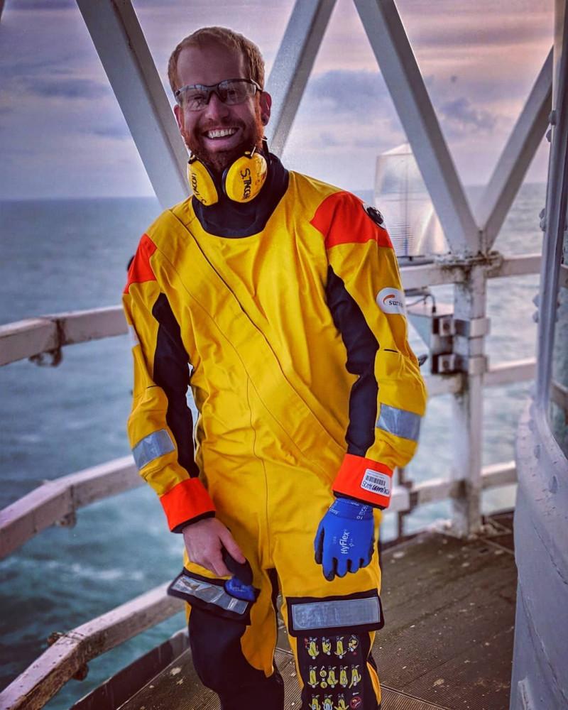 Счастливый человек на работе мечты :) @keeping_a_lighthouse Instagram