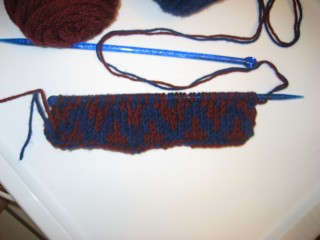 Yoric's doubleknit scarf begins, side b