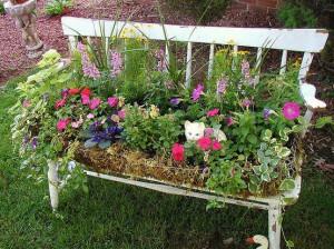 creative-garden-ideas-old-garden-bench-flower-container