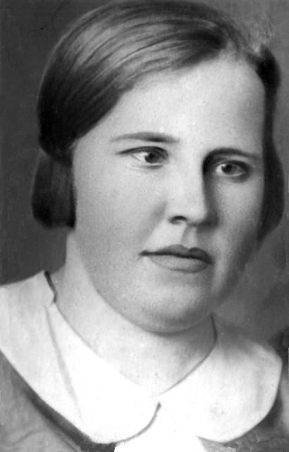 1936-37 Валя, дочь Степаниды.jpg