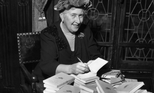 british-mystery-author-agatha-christie-autographs-french-editions-of-her-book-in-1965