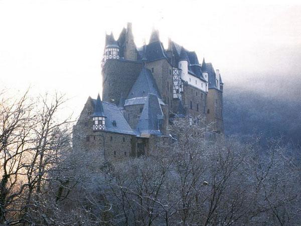 замок Бург Эльц, гороскоп