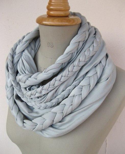 Вот какие шарфики-снуды можно сделать из старых футболок.