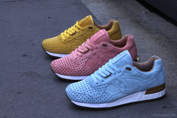 play-cloths-x-saucony-shadow-5000-cotton-candy-pack-2-570x380