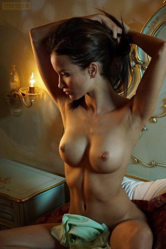 Фото голых девушек хорошая грудь