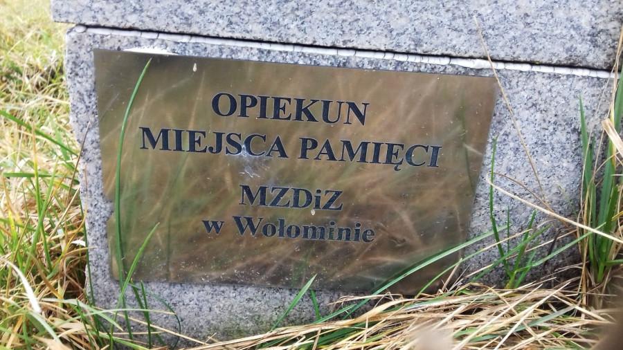 pomnik_260120d.jpg