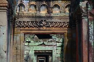 Preah Khan - Apsaras in the Hall of Dancers