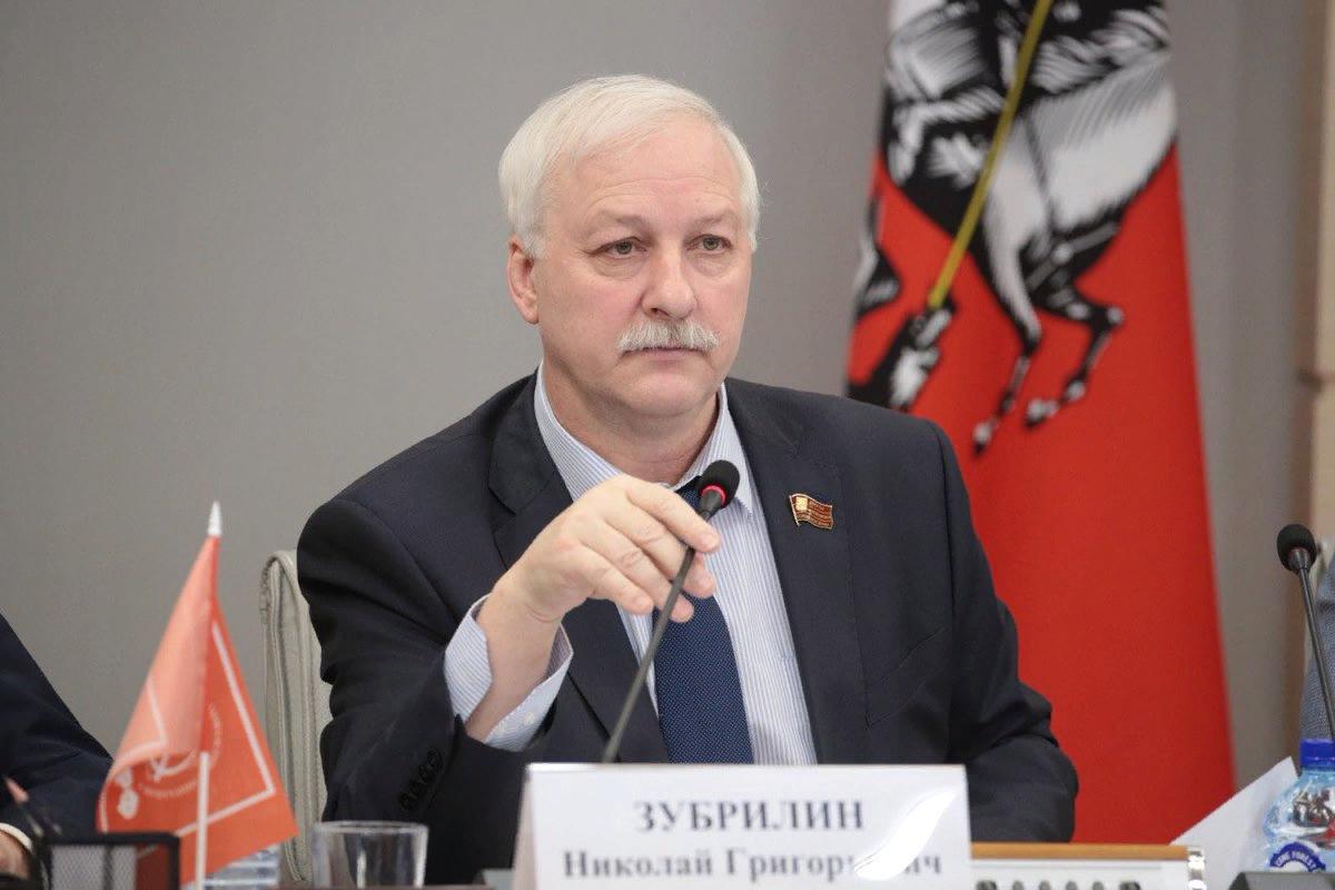 Руководитель фракции КПРФ в Мосгордуме Николай Зубрилин.