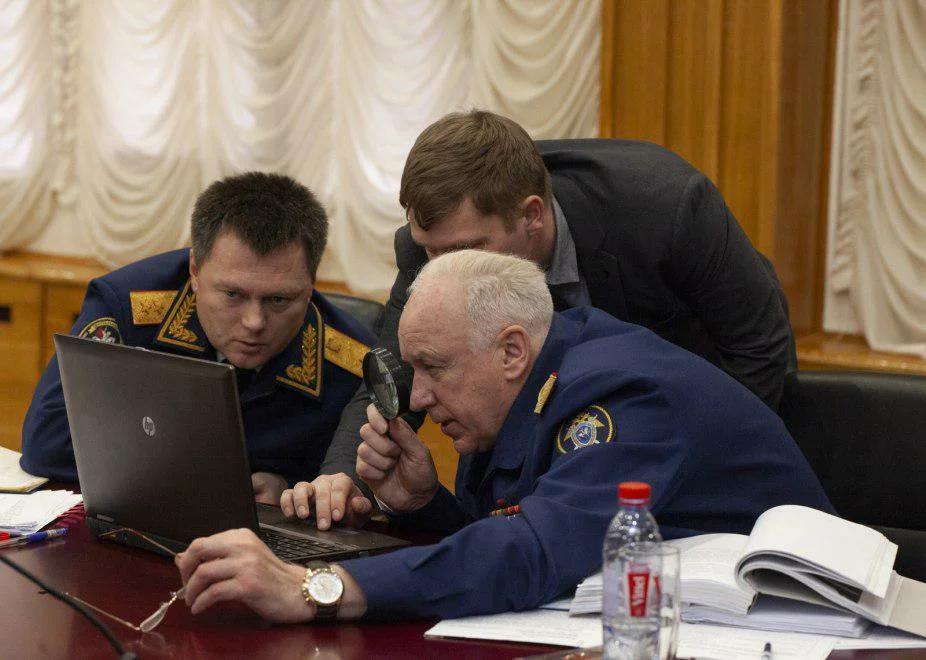 Глава СК РФ Александр Бастрыкин и генпрокурор Игорь  Краснов