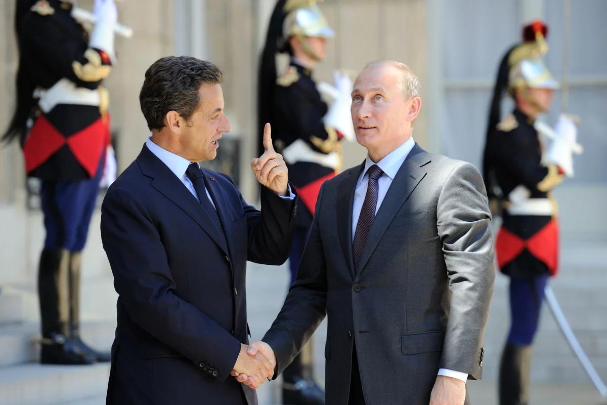Президенты Саркози и Путин