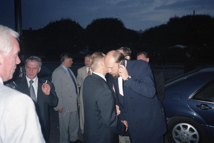 Владимир Путин и Сергей Пугачев (в центре) во время одной из встреч в Санкт-Петербурге в начале 2000-х. Фото: pugachevsergei.com