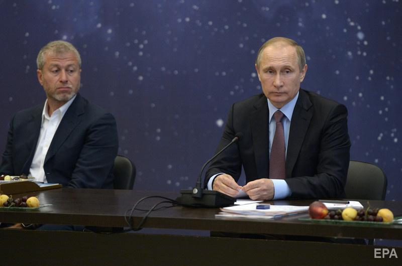 Роман Абрамович и Владимир Путин на одном из форумов в Сочи, 2016 год. Фото: EPA