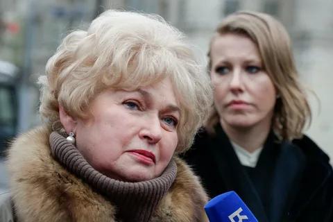 Мать Собчак, сенатор Нарусова,