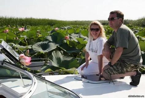 Медведев с супругой на отдыхе