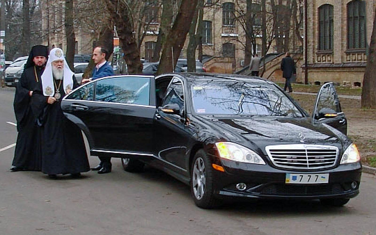 Владыка признает только немецкие авто