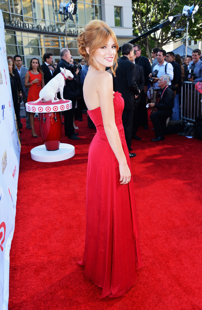 Bella+Thorne+2012+NCLR+ALMA+Awards+Red+Carpet+WxB4pQkRYgnx