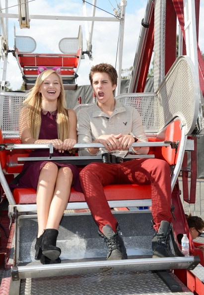 Billy unger dating bella thorne