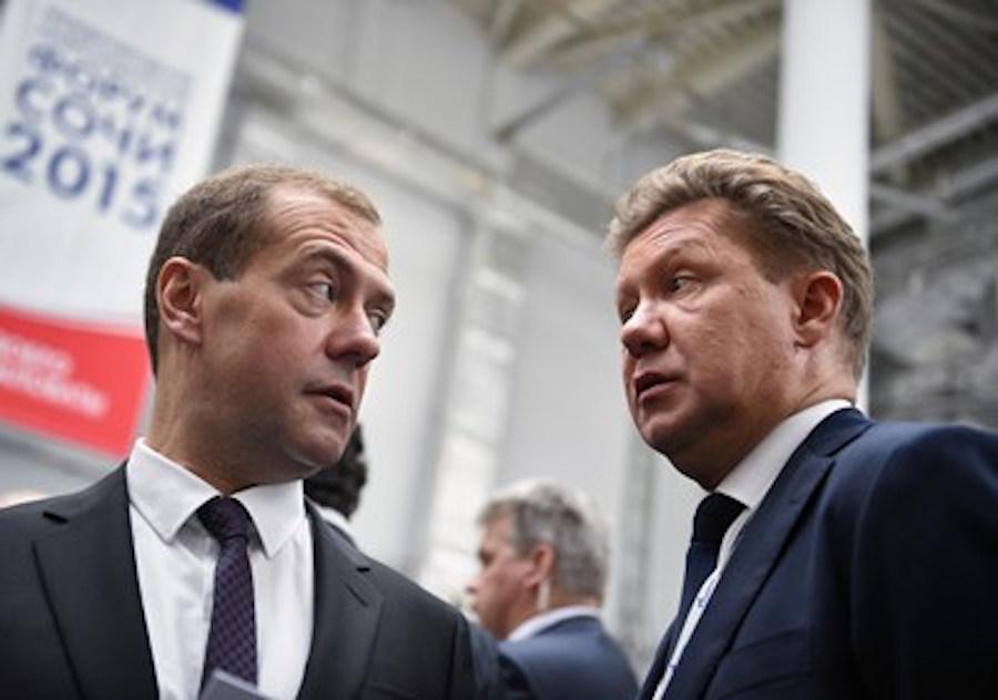 Председатель правительства России Дмитрий Медведев и предправления компании «Газпрома» Алексей Миллер