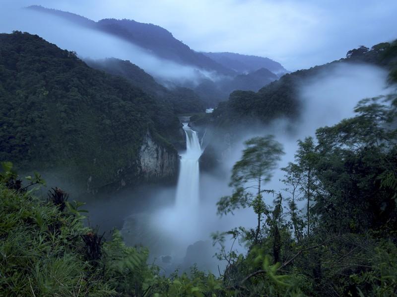 san-rafael-falls-edcuador_91349_990x742