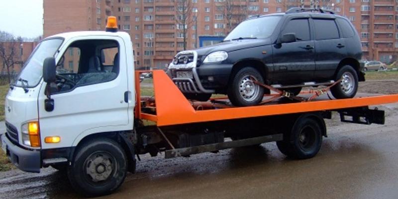 Изначально Леонид Кошкин писал программу, позволяющую узнавать о повреждениях автомобиля, оставленного на парковке. Но в результате вышло немного другое.