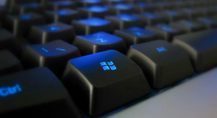 Для чего на клавиатуре нужна горячая клавиша <b>Win</b>? А ведь ее использование значительно может упростить повседневную работу на компьютере. В сочетании с другими клавишами <b>Win</b> просто творит чудеса.
