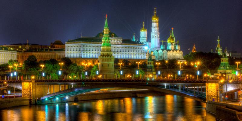 Кремль становится ближе